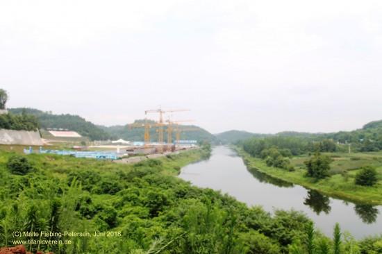 Baustelle am Fluss